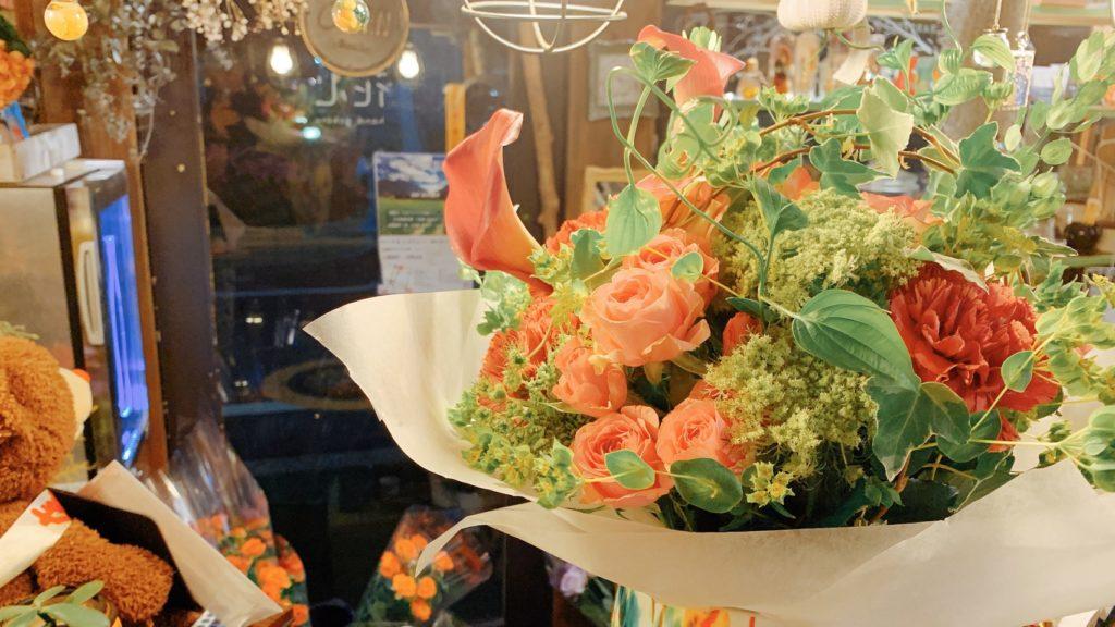 花瓶に入れた花束